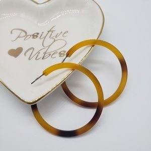 Jewelry - New! Acrylic Tortoise Shell Round Hoop Earrings